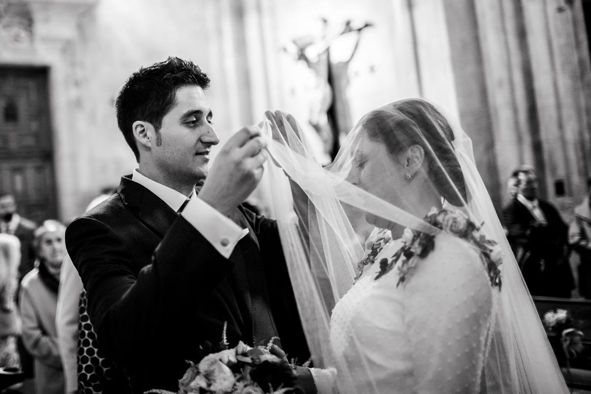 Reportaje de boda de Rafa y Maria en la iglesia de San Sebastián, Fotografo de bodas 29