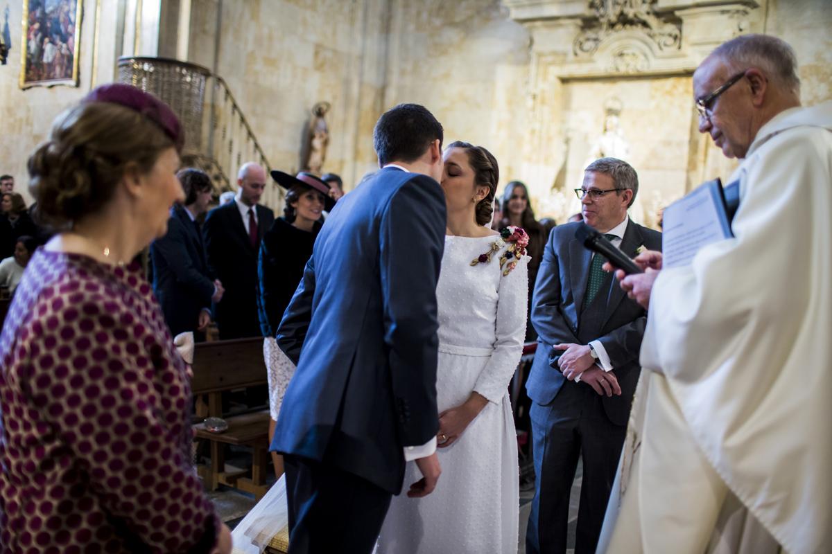Reportaje de boda de Rafa y Maria en la iglesia de San Sebastián, Fotografo de bodas 36