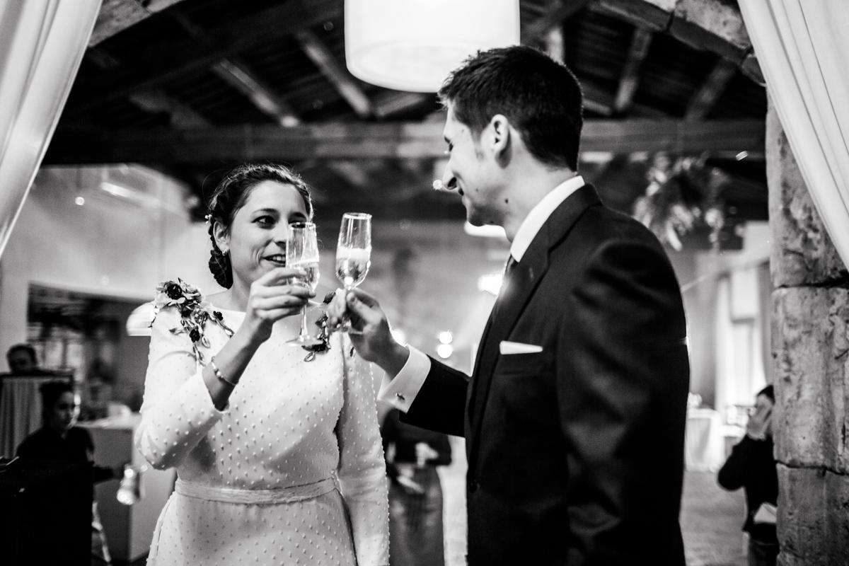 Reportaje de boda de Rafa y Maria en la iglesia de San Sebastián, Fotografo de bodas 53