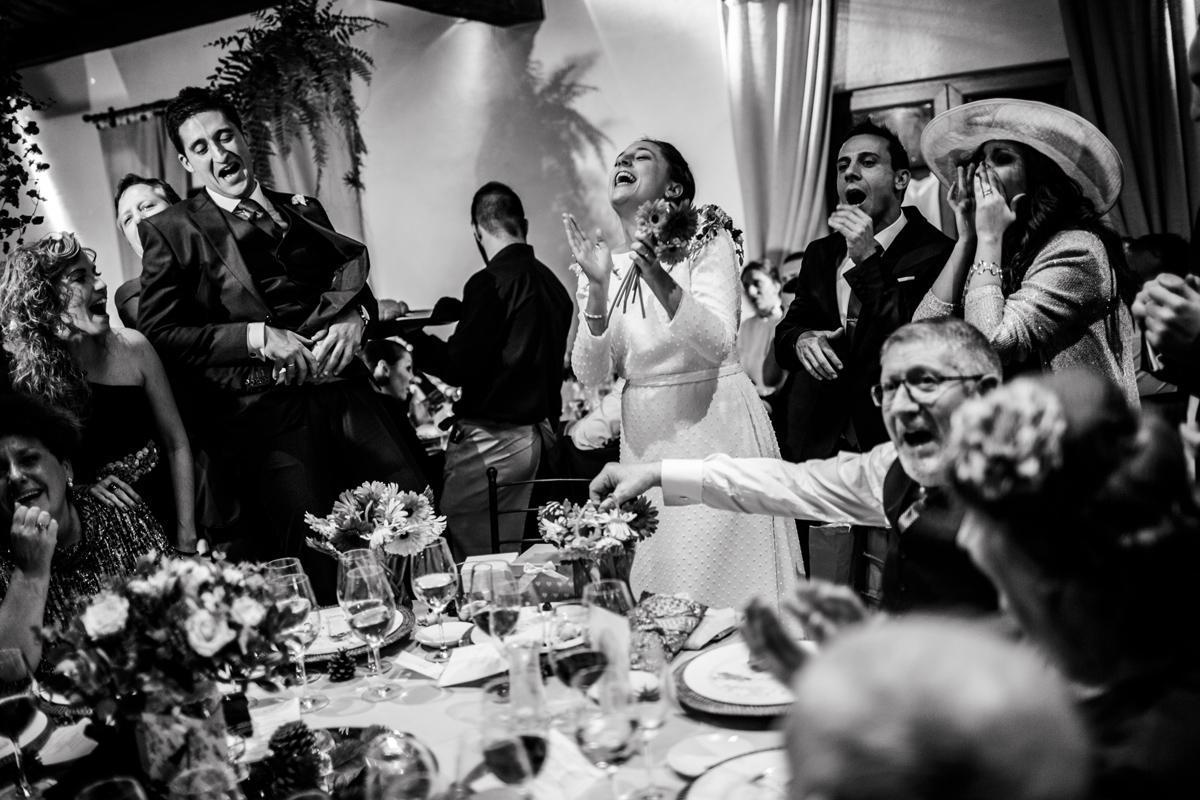Reportaje de boda de Rafa y Maria en la iglesia de San Sebastián, Fotografo de bodas 54